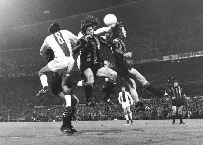 Catenaccio vs Total Football